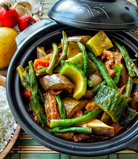 Pinakbet How To Make Filipino Style Pinakbet Desidakaar